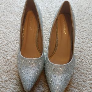 Shoes - Coloriffics Silver Dress Pumps